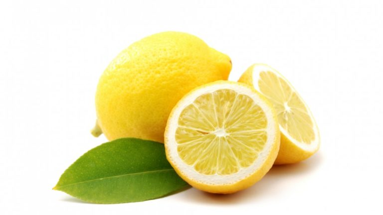 article-migration-image-3311-why-i-start-my-day-with-warm-water-and-lemon.jpg