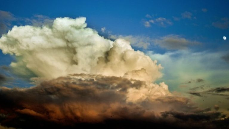 article-migration-image-colorful-sky-clouds-647x300.jpg