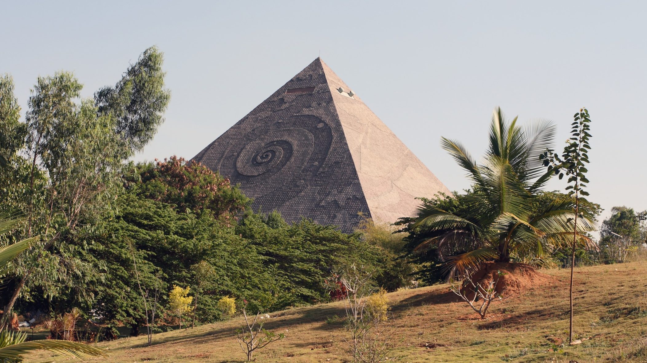 Can Pyramids Enhance Meditation?