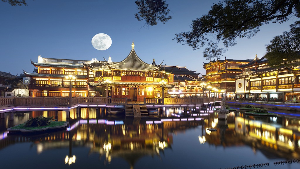China's Plan to Build Artificial Moon Sparks Hollow Moon Theories