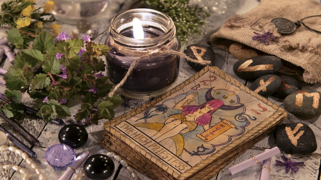 Tarot's White Magic: Positive Incantations and Rituals For Change