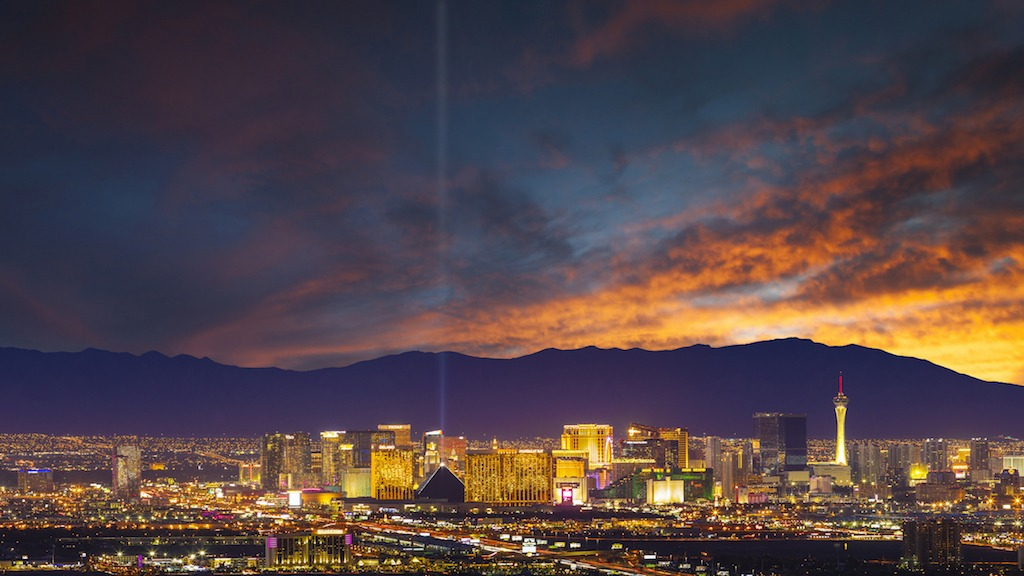 Vegas Helicopter Pilot Reports UFO Visible Only With Night Vision