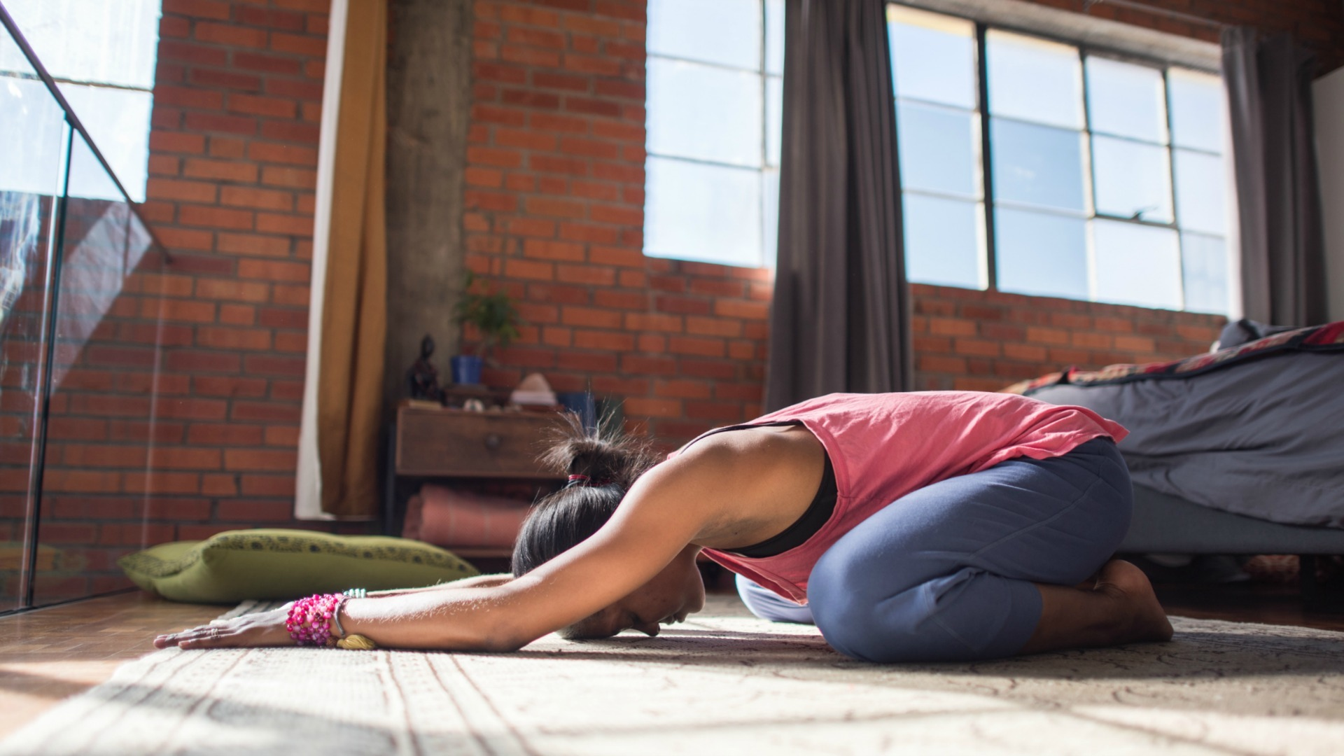 8 Reasons Why Yoga Makes You Happier and Healthier